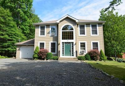 Canadensis Single Family Home For Sale: 215 Mohican Rd