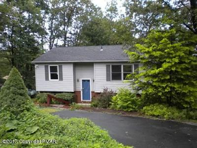 Mount Pocono Single Family Home For Sale: 5 Candlewood Ln