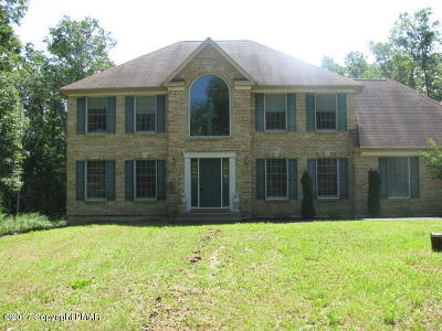 Stroudsburg Single Family Home For Sale: 107 Coyote Pass