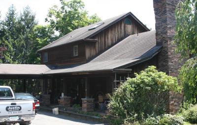 East Stroudsburg Single Family Home For Sale: 3236 Oak Grove