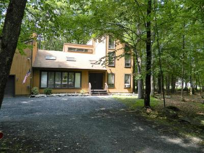 East Stroudsburg Single Family Home For Sale: 3236 Greenbriar Dr