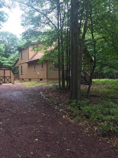 Blakeslee Single Family Home For Sale: 240 Brier Crest Rd