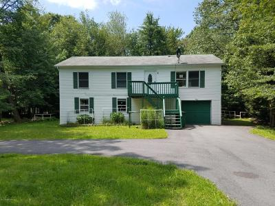 Pocono Summit Single Family Home For Sale: 1014(2157) Vacation Ln