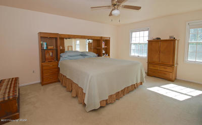 Upper Mt. Bethel Single Family Home For Sale: 112 Frutchey Ct