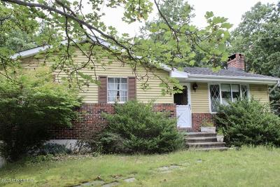Stroudsburg Single Family Home For Sale: 2765 Jackson Rd