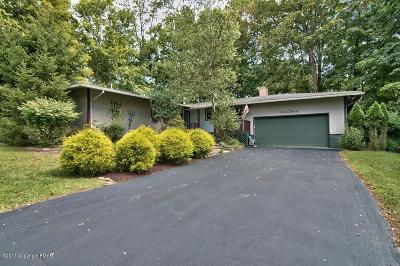 Stroudsburg Single Family Home For Sale: 1032 Hickory Valley Rd