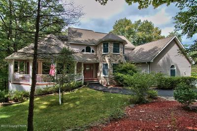 Country Club Of The Poconos Single Family Home For Sale: 3103 Sparrow Court