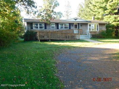 Brodheadsville Single Family Home For Sale: 114 Greenview Dr