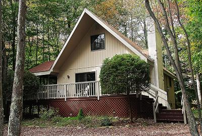 Pocono Pines Single Family Home For Sale: 2299 Hillcrest Dr