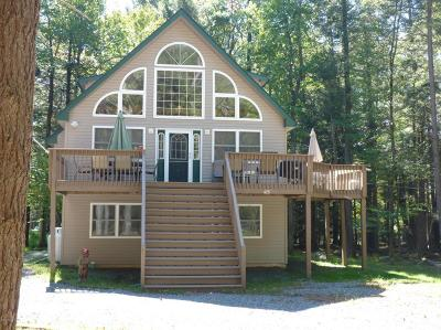 Pocono Lake Single Family Home For Sale: 625 Sir Gawain Court