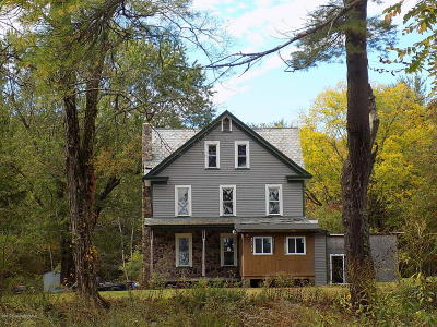 East Stroudsburg Single Family Home For Sale: 706 Stokes Mill Rd