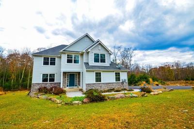 Stroudsburg Single Family Home For Sale: 1108 Delaware Ln