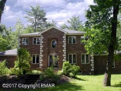 Stroudsburg Single Family Home For Sale: 3027 Hemlock Rd