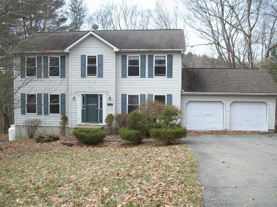 East Stroudsburg Single Family Home For Sale: 339 Eastshore Dr