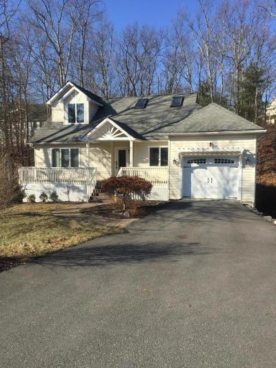 Country Club Of The Poconos Single Family Home For Sale: 581 Eagle Dr