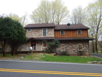 Cresco PA Rental For Rent: $1,600