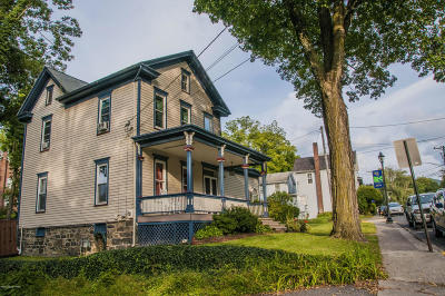 Delaware Water Gap PA Single Family Home For Sale: $230,000