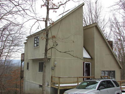 East Stroudsburg Single Family Home For Sale: 548 Clubhouse Dr