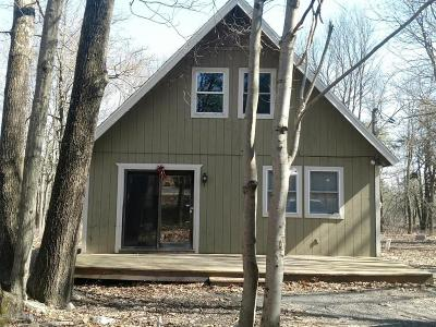 Long Pond Single Family Home For Sale: 1043 Cricket Ln