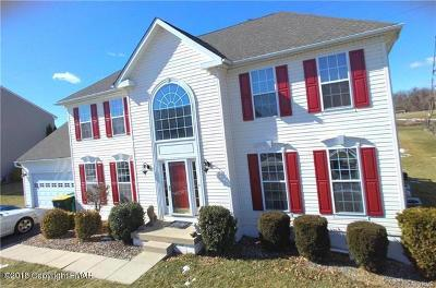 Lehigh County, Northampton County Single Family Home For Sale: 115 Clover Hollow Rd