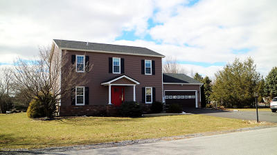 Lehigh County, Northampton County Single Family Home For Sale: 6425 Abbey Rd