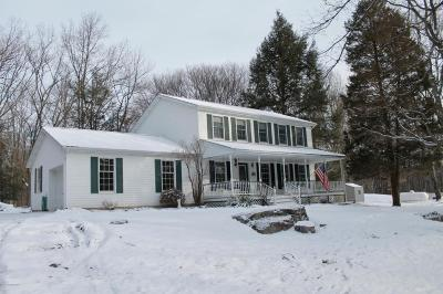 Stroudsburg Single Family Home For Sale: 6039 Running Valley Rd