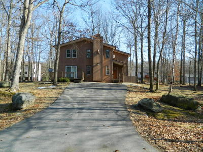 East Stroudsburg Single Family Home For Sale: 4261 Woodacres Dr