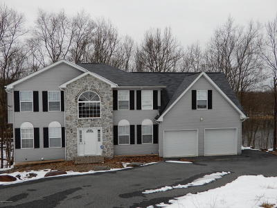 East Stroudsburg Single Family Home For Sale: 5119 Lake Dr