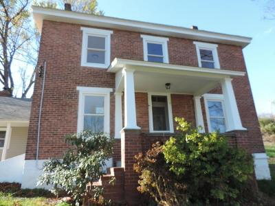 Stroudsburg Single Family Home For Sale: 3527 Middle Easton Belmont Pik Pike