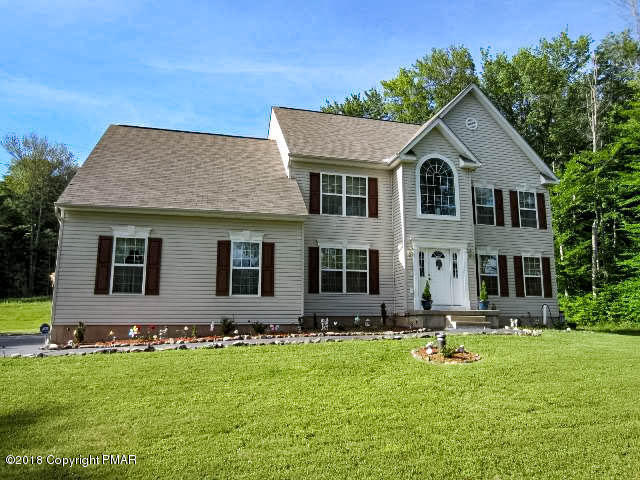 4 bed / 2 full, 1 partial baths Home in Blakeslee for $259,900