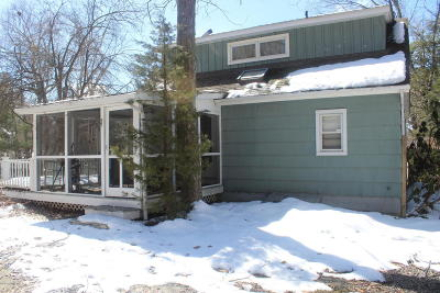 East Stroudsburg Single Family Home For Sale: 6402 E Lakeshore Dr