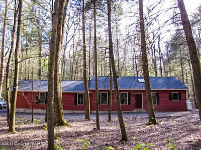 Stroudsburg Single Family Home For Sale: 619 Pensyl Creek Road