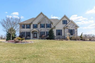 Bethlehem Single Family Home For Sale: 376 Winding Way
