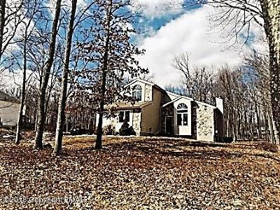 East Stroudsburg Single Family Home For Sale: 811 Knoll Dr