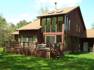 Pocono Summit Single Family Home For Sale: 4165 Winter Ct