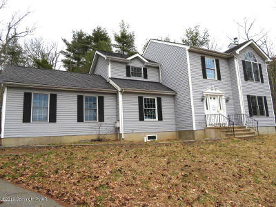 East Stroudsburg Single Family Home For Sale: 5291 Hilltop Cir
