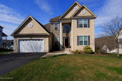 Country Club Of The Poconos Single Family Home For Sale: 3194 Pine Vally Wy