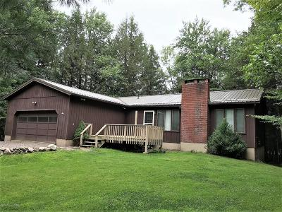 Pocono Lake Single Family Home For Sale: 230 King Arthur Rd