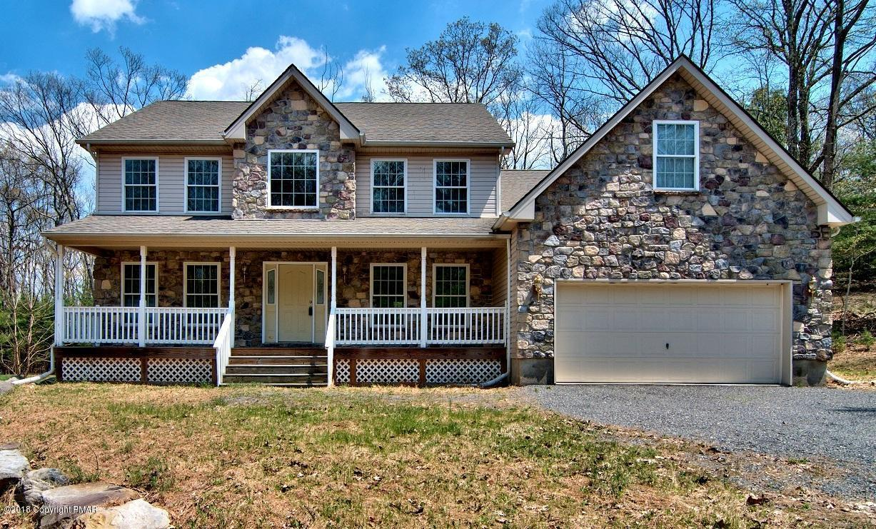 4 bed / 2 full, 1 partial baths Home in Stroudsburg for $319,900