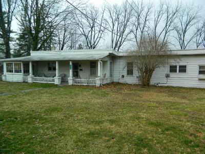 Stroudsburg PA Single Family Home For Sale: $135,000