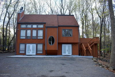 East Stroudsburg Single Family Home For Sale: 122 Reston Dr