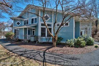 Country Club Of The Poconos Single Family Home For Sale: 222 Abbington Dr.