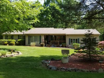 Pocono Lake Single Family Home For Sale: 134 Meadow Rd