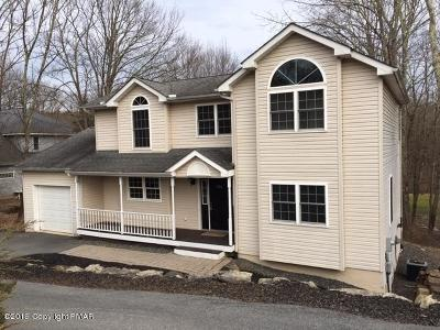 Country Club Of The Poconos Single Family Home For Sale: 266 Fringe Dr