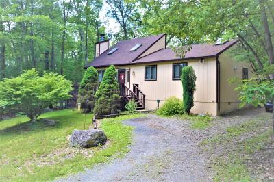 East Stroudsburg Single Family Home For Sale: 8104 Acorn Ct