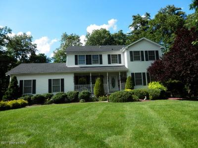 East Stroudsburg Single Family Home For Sale: 7121 Wisteria Ct