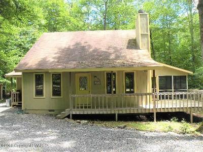 Pocono Lake Single Family Home For Sale: 204 Elk Run Road