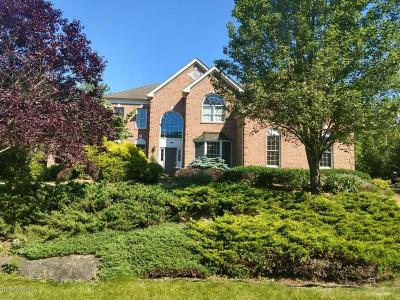 East Stroudsburg Single Family Home For Sale: 146 Rising Meadow Way