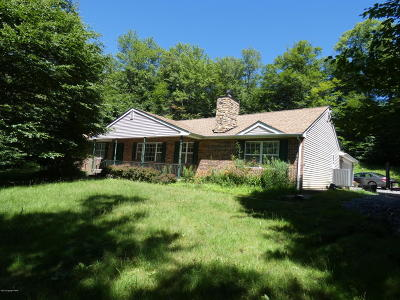 Blakeslee Single Family Home For Sale: 107 Doria Dr