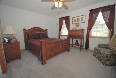 Upper Mt. Bethel Single Family Home For Sale: 625 Turkey Ridge Rd